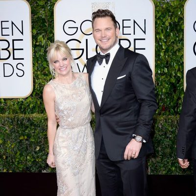 Anna Faris y Chris Pratt en la alfombra roja de los Globos de Oro 2015