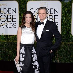 Livia y Colin Firth en la alfombra roja de los Globos de Oro 2015