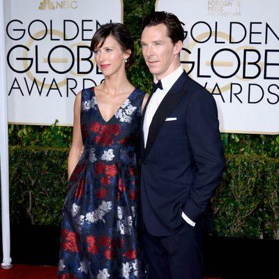 Benedict Cumberbatch y Sophie Hunter en la alfombra roja de los Globos de Oro 2015