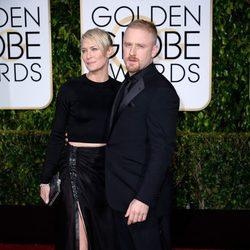 Robin Wright y Ben Foster en la alfombra roja de los Globos de Oro 2015