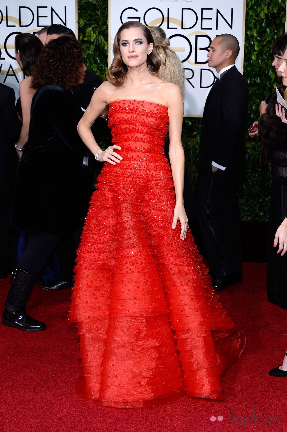 Allison Williams en la alfombra roja de los Globos de Oro 2015