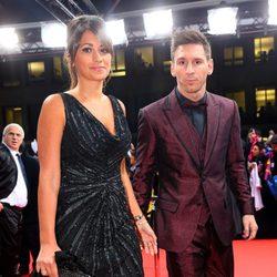 Leo Messi y Antonella Roccuzzo en la entrega del Balón de Oro 2014