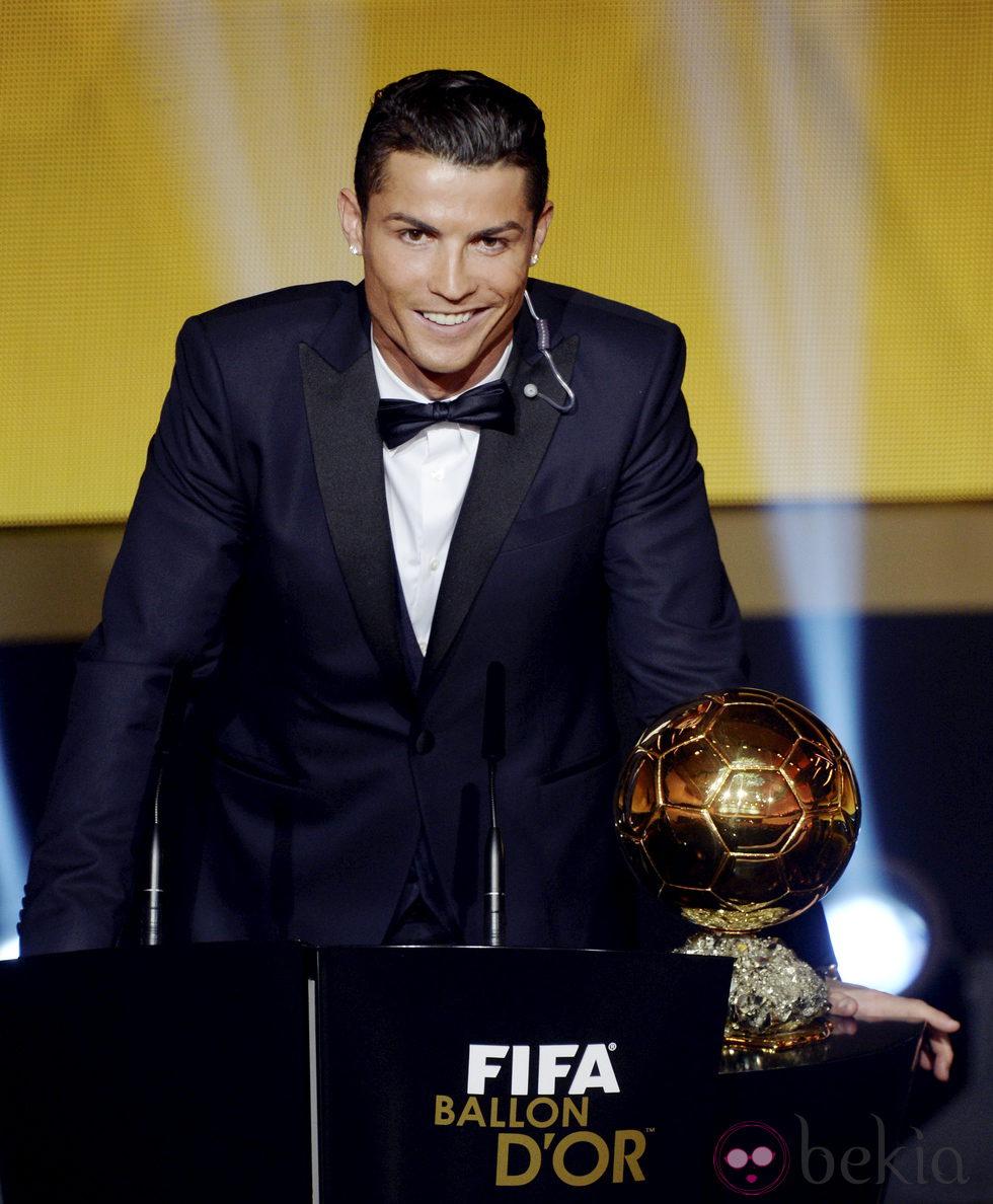 Cristiano Ronaldo recogiendo el Balón de Oro 2014