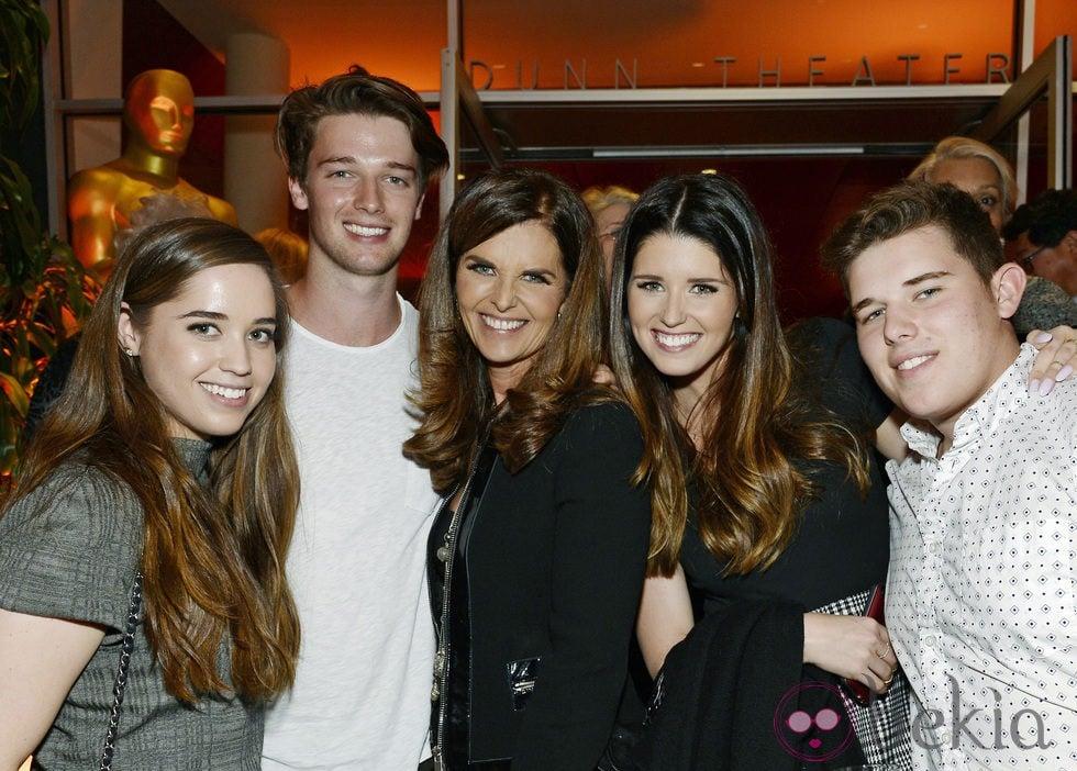 Maria Shriver con sus hijos Christina, Patrick, Katherine y Christopher Schwarzenegger