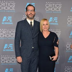 Patricia Arquette y Eric White en los Critics' Choice Awards 2015