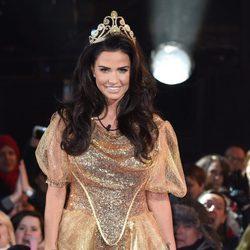 Katie Price se viste de princesa de cuento para entrar a 'Celebrity Big Brother'