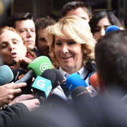 Esperanza Aguirre llega al juicio por el incidente de tráfico y posterior fuga en la Gran Vía