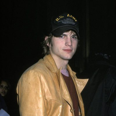 Ashton Kutcher en la fiesta 'Saturday Night Live' de 2001
