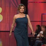 Terelu Campos desfilando en traje de noche en la Sálvame Fashion Week