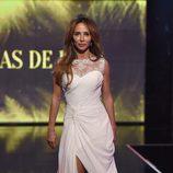 María Patiño desfilando vestida de novia en la Sálvame Fashion Week