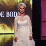 Karmele Marchante desfilando vestida de novia en la Sálvame Fashion Week