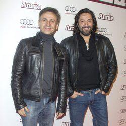 Jose Mota y Rafael Amargo en la premiere de 'Annie' en Madrid