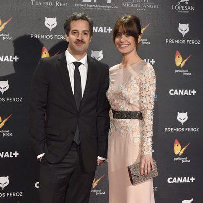 Alexandra Jiménez y su pareja, Luis Rallo, en la alfombra roja de los Premios Feroz 2015