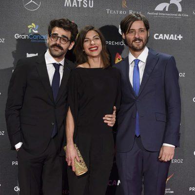 Carlos Marques-Marcet, Natalia Tena y David Verdaguer en la alfombra roja de los Premios Feroz 2015
