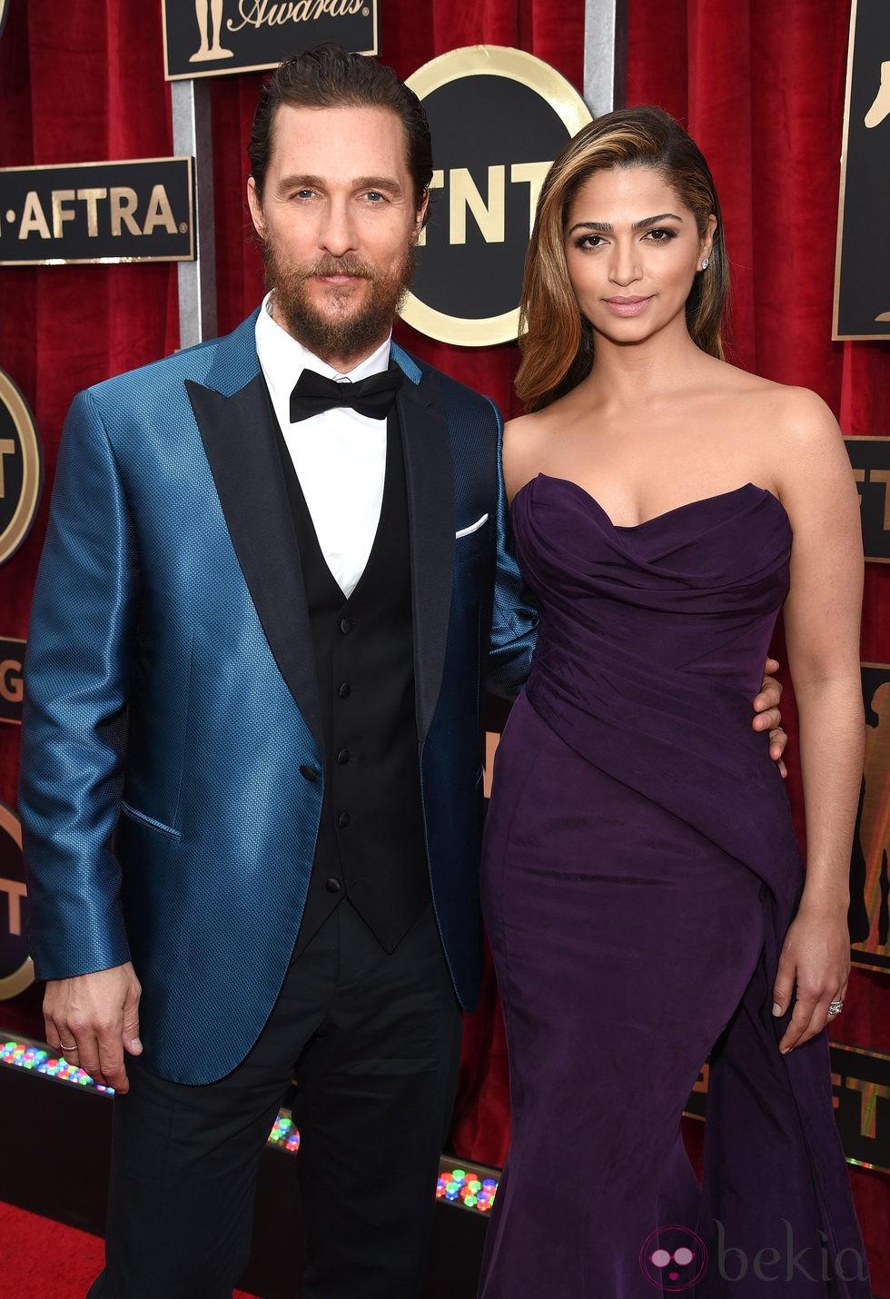 Matthew McConaughey y Camila Alves en la alfombra roja de los Screen Actors Guild Awards 2015