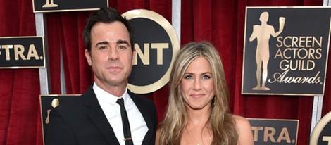 Jennifer Aniston y Justin Theroux en la alfombra roja de los Screen Actors Guild Awards 2015
