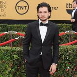 Kit Harington en la alfombra roja de los Screen Actors Guild Awards 2015