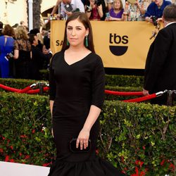 Mayim Bialik en la alfombra roja de los Screen Actors Guild Awards 2015