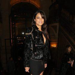 Michelle Rodríguez en la fiesta Versace de la Semana de la Alta Costura de París primavera/verano 2015