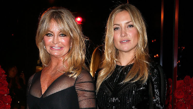 Goldie Hawn y Kate Hudson en la fiesta Versace de la Semana de la Alta Costura de París primavera/verano 2015