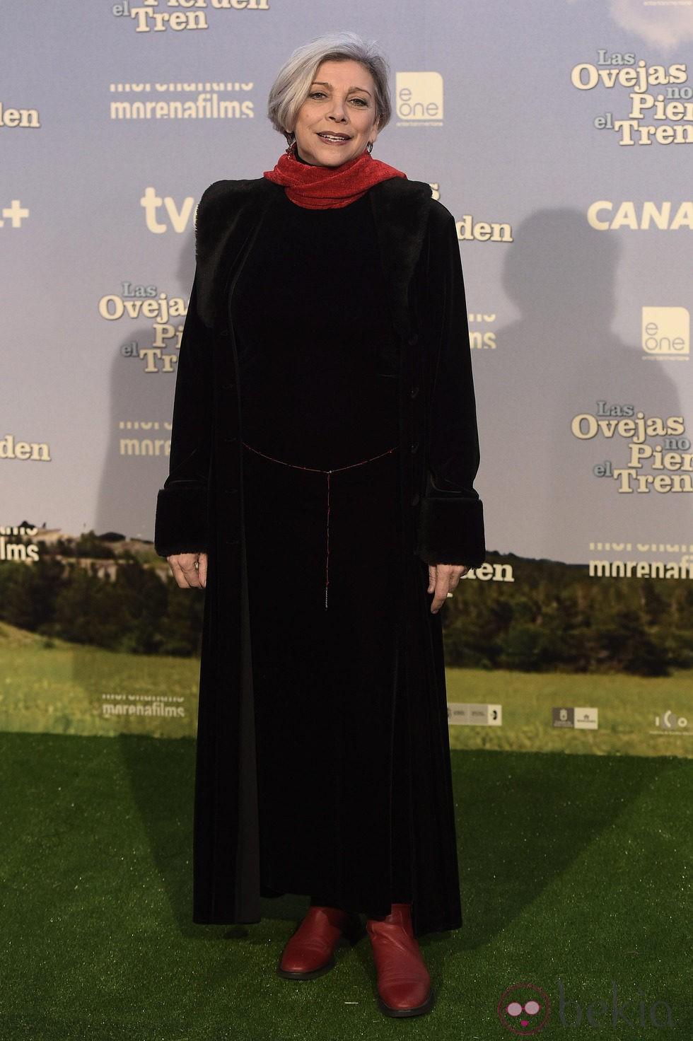 Kiti Mánver en el estreno de 'Las ovejas no pierden el tren'