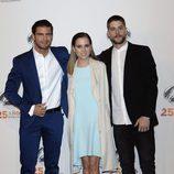 Maxi Iglesias, Ana Fernández y Luis Fernández en la fiesta del 25º Aniversario de Antena 3