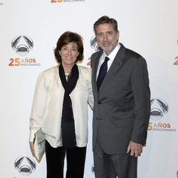 Emilio y Aruca Aragón en la fiesta del 25º Aniversario de Antena 3