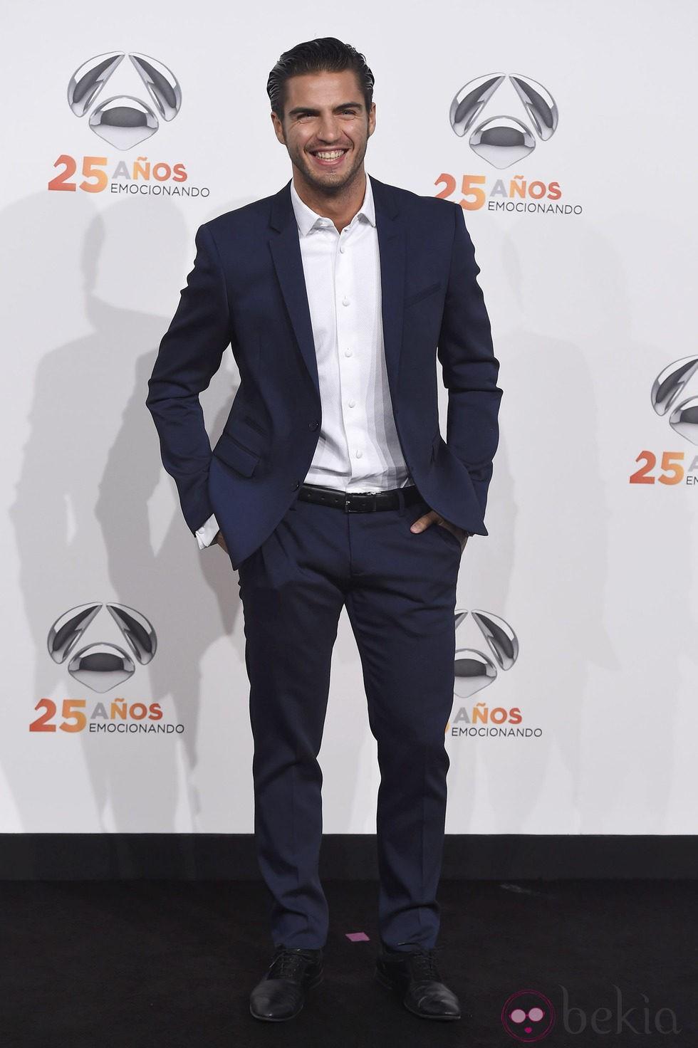 Maxi Iglesias en la fiesta del 25 aniversario de Antena 3