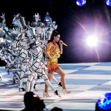 Katy Perry interpretando 'Dark Horse' en su actuación en la Super Bowl 2015