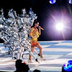 Katy Perry interpretando 'Dark Horse' en su actuación en la Super Bowl 2015