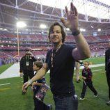Mark Wahlberg con sus hijos en la Super Bowl 2015