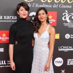 Bárbara Lennie y Mariam Bachir en los Premios Gaudí 2015