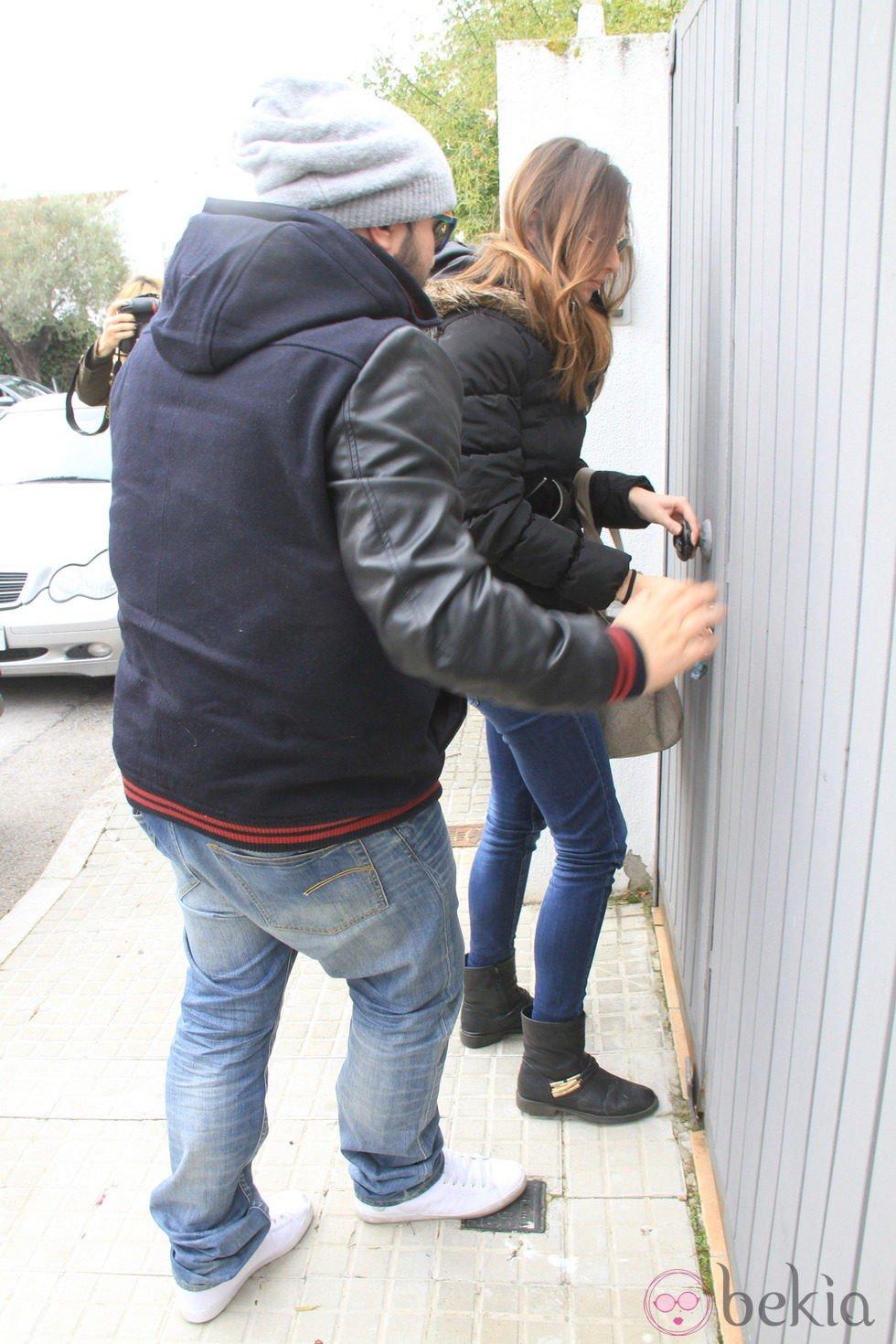 Kiko Rivera vuelve a Sevilla con Irene Rosales tras abandonar 'Gran Hermano VIP'