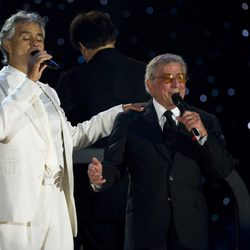 Tony Bennett canta junto a Andrea Bocelli en su 85 cumpleaños