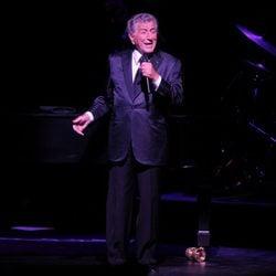 Tony Bennett actuando en la gala de su 85 cumpleaños