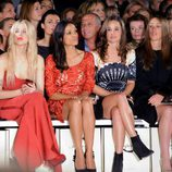 Rosario Dawson, Pippa Middleton y Peaches Geldof en la London Fashion Week