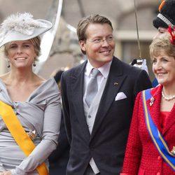 Los Príncipes Laurentina, Constantino y Margarita de Holanda en la apertura del parlamento