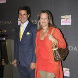Alejo Martínez Bordiú y su mujer Patricia Carulla en la fiesta de inauguración de la tienda Escada en Barcelona