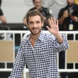 Pablo Derqui llega al Festival de San Sebastián para el preestreno de 'Isabel'