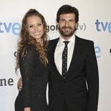 Michelle Jenner y Rodolfo Sancho en el preestreno de 'Isabel' en San Sebastián