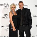 Lindsay Lohan y Philipp Plein en la gala amfAR de la Milán Fashion Week 2011