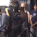 Christian Bale y Anne Hathaway en el rodaje de 'El caballero oscuro: la leyenda renace'
