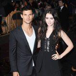 Taylor Lautner y Lily Collins, muy serios en el estreno de 'Abduction' en Londres