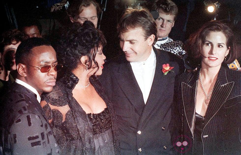 Bobby Brown, Whitney Houston, Kevin Costner y Cindy Costner en el estreno de 'El Guardaespaldas'