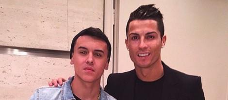 Cristiano Ronaldo con Kevin Roldán en su fiesta de cumpleaños
