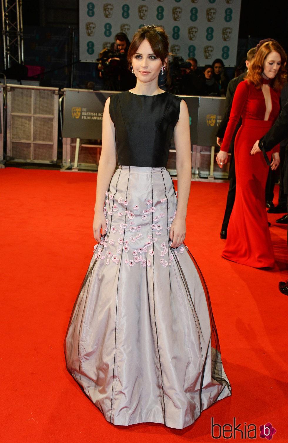Felicity Jones en los Premios BAFTA 2015