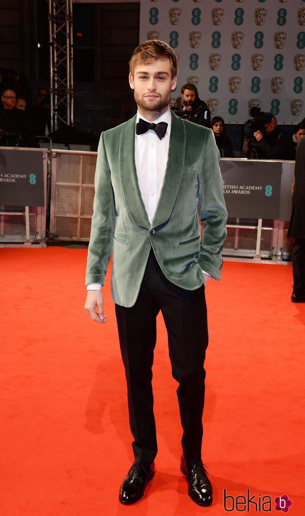 Douglas Booth en los Premios BAFTA 2015