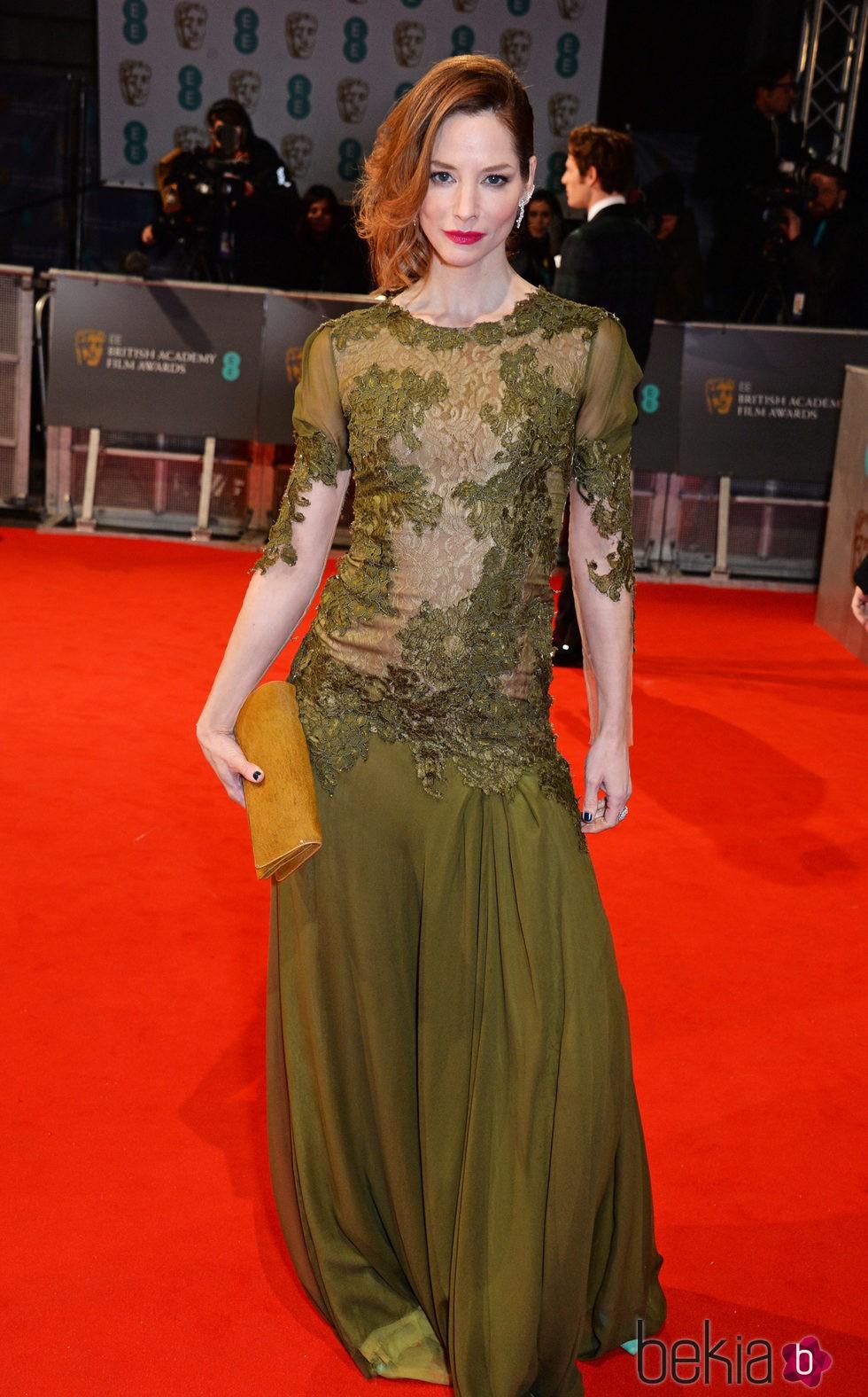 Sienna Guillory en los BAFTA 2015