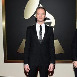 Neil Patrick Harris en la alfombra roja de los Grammy 2015