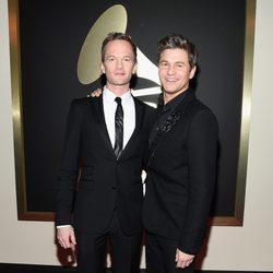 Neil Patrick Harris y David Burtka en los Grammy 2015
